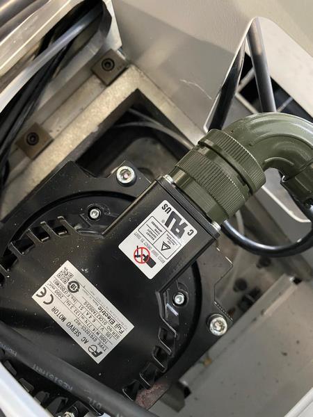 Фото двигателя ServoMotor Серводвигатель Fuji