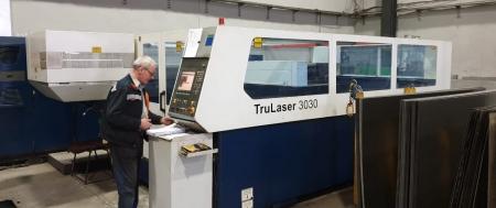 Фото TruLaser 3030 с резонатором 2000Вт. Год выпуска 2008.
