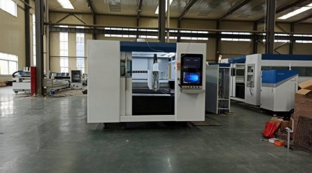 Оптоволоконный лазерный станок для резки металла MetalTec 1530P