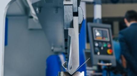Фото гиба на гибочном станке MetalTec HBM 30/1600
